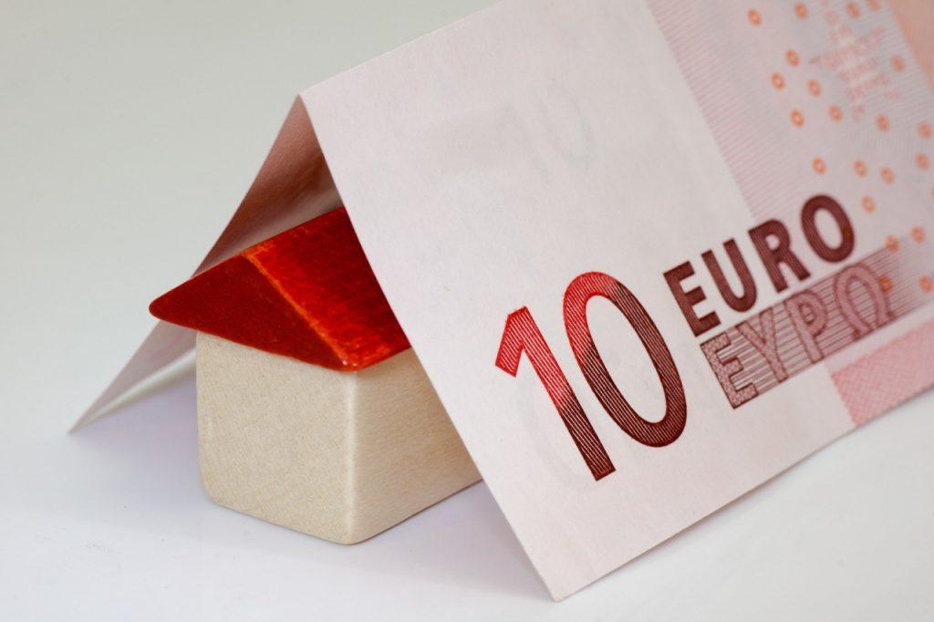 Imagen de dinero de ayuda para vivienda alquilada